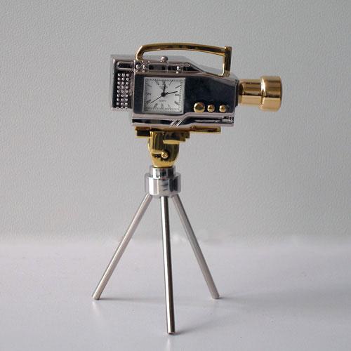 Часы «Кинокамера»