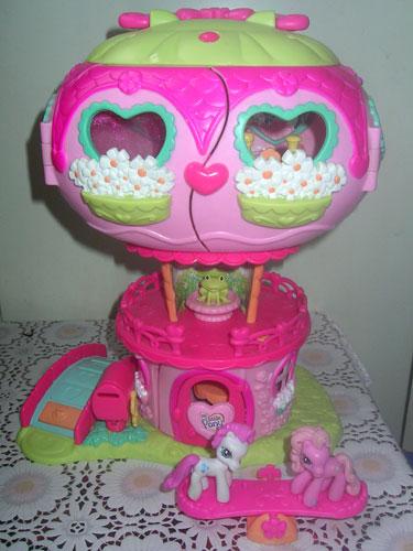 Домик для малышки пони