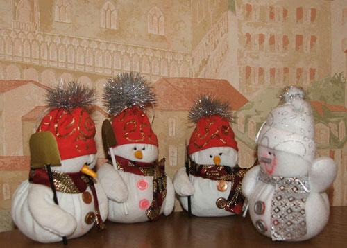 Снеговики на елку