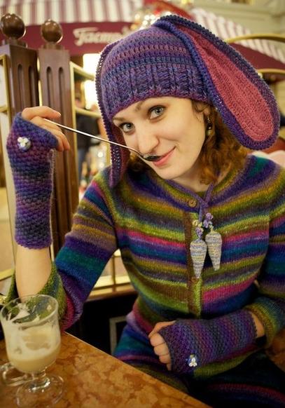 Шапки с ушками и шарфики