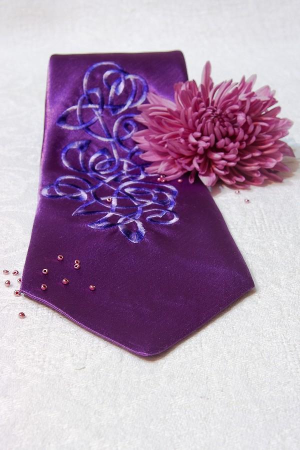 Фиолетовый, вид под углом