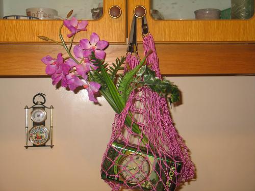 Авоська с орхидеями