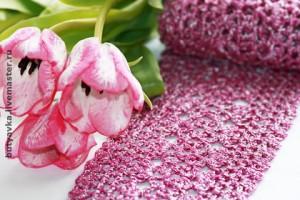 весенний розовый вязанный шарф