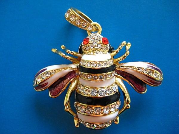 Флешка-пчелка