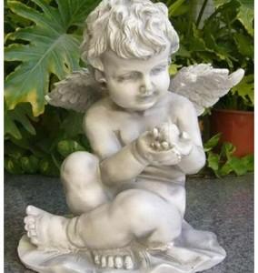 Ангелочек с божьей коровкой