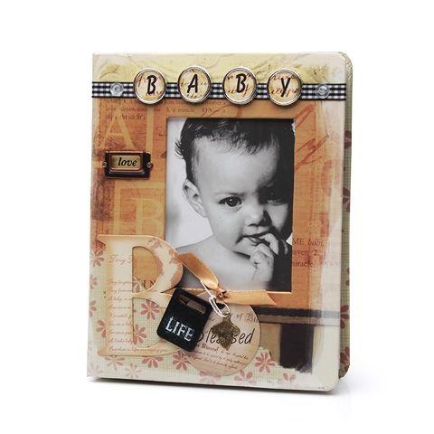 Дизайнерский фотоальбом станет отличным подарком в семью, где только что родился мальчик