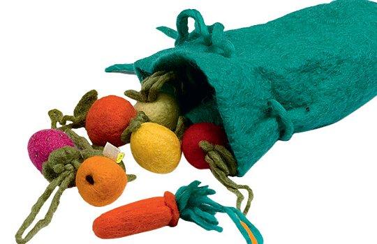 игрушки из войлока ручной работы станут отличным подарком даже для самых маленьких