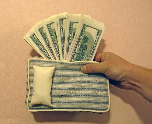 Матрас с деньгами