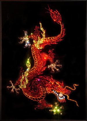Картина с драконом из кристаллов