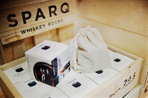Holshhevyj meshochek i upakovka kamnej dlja viski