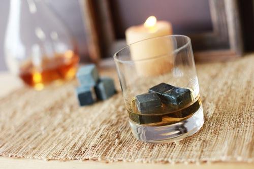 Kamni dlja viski malo viski